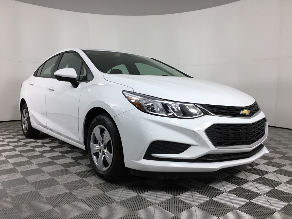 New 2018 Chevrolet Cruze Ls 4d Sedan In Oklahoma City